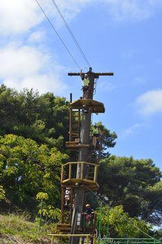 Realizamos actividades Multi Aventura para grupos de despedidas de soltero y soltera en Málaga y Granada. Rafting, descenso, escalada, paseo en globo, rutas Granada, Rafting, Utility Pole, Nature Activities, Zip Lining, Bouldering, Trekking, Walks, Paths