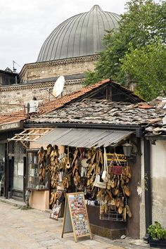 Old Town Skopje Bazaar (Great site about travel to Macedonia)