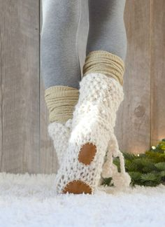 Mountain Chalet Boot Slipper Knitting Pattern (Knit Flat) – Mama In A Stitch Knitting Kits, Loom Knitting, Knitting Socks, Knitting Patterns Free, Free Knitting, Knitting Projects, Crochet Projects, Crochet Patterns, Free Pattern