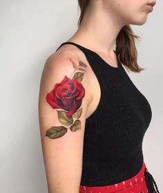 Amezing rote Rose Tattoo - 100 + sinnvolle Rose Tattoo Designs Source by cuded Tattoos For Guys Badass, Neck Tattoo For Guys, Back Piece Tattoo, Pieces Tattoo, Body Art Tattoos, Sleeve Tattoos, Forearm Tattoos, Stomach Tattoos, Key Tattoos