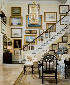 66 Ideas for home art gallery wall entryway Coastal Living Rooms, Home And Living, Living Spaces, Modern Living, Elegant Home Decor, Elegant Homes, Foyer Decorating, Interior Decorating, Gallery Wall Staircase