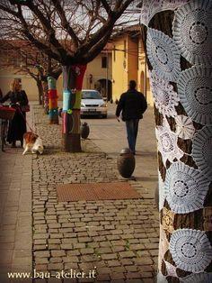 #Treeknitting #Yarnbombing #Cernuscosulnaviglio Aspettando la Primavera, March 2015