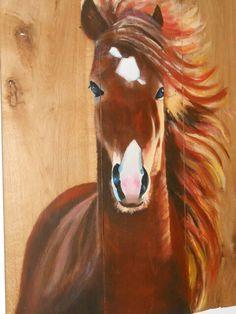 Paard op houtpaneel