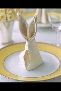 Пасхальный заяц из салфетки