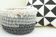 Handmade crochet basket di LovePastels su Etsy  www.etsy.com/shop/LovePastels