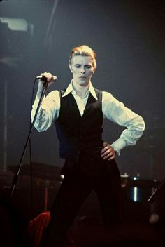 Bowie 1976: Isolar / Station to Station.