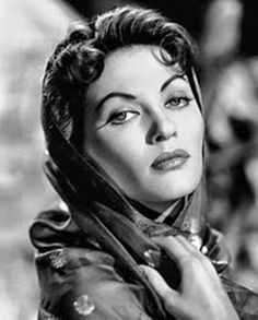 Yvonne de Carlo / Born: Margaret Yvonne Middleton, September 1, 1922 in Vancouver, British Columbia, Canada / Died: January 8, 2007 (age 84) in Woodland Hills, California, USA