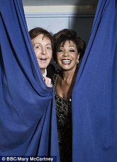 Sir Paul McCartney & Dame Shirley Bassey backstage at the Royal Albert Hall