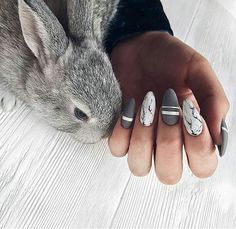If you're looking for cute nail art designs for Easter, you're in the right place! Our collection of 32 Easter nail designs will certainly inspire you and stimulate your creativity. Your nails shouldn't be ignored this year. Love Nails, Fun Nails, Pretty Nails, Easter Nail Art, Instagram Nails, Disney Instagram, Cute Nail Art, Almond Nails, Perfect Nails