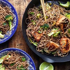 *salmon noodle stir-fry* Serves 4  600 grams skinless salmon filets, cut in pieces  1 tablespoon grated ginger 1 tablespoon sesame oil 4 tablespoon tamarind sauce or soy sauce  Oil to fry  2 garlic cloves, chopped 1/2 bunch spring onions, sliced 1/2 Chili, finely chopped  1 /2 broccoli , florets 1 Lemon or lime, juice  300 grams soba noodles, cooked to packet instructions, drained 2 tsp sesame se...