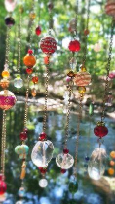 Wire Crafts, Diy Home Crafts, Garden Crafts, Garden Art, Beaded Crafts, Glass Bead Crafts, Glass Beads, Beaded Curtains, Hippie Curtains