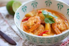 Thai Shrimp and Pineapple Curry. Will try this. Like Thai food that's not too hot . . .