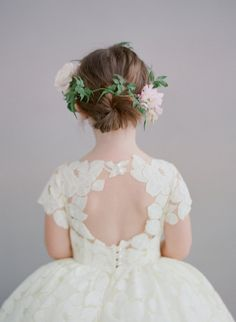 Such a sweet flower girl style.