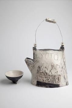shape and textures - Nicoline Nieuwenhuis / Keramiek Ceramic Pitcher, Ceramic Tableware, Ceramic Teapots, Ceramic Clay, Pottery Teapots, Ceramic Pottery, Earthenware, Stoneware, Creta