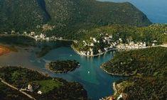 Δεν είναι η Νορβηγία. Αυτό το υπέροχο φιορδ βρίσκεται στην Ελλάδα Corinth Canal, Places In Greece, Archaeological Site, Travel Maps, The Good Place, Beautiful Places, Amazing Places, Cool Photos, Places To Go