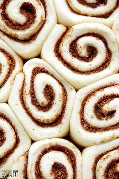 1-Hour Easy Cinnamon Rolls Recipe | gimmesomeoven.com