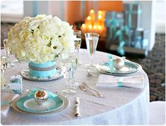 I love the single ornament on each plate