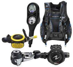 Aqua Lung Essential Package: Includes: Pro HD BCD, Titan Regulator, ABS Octo, i300 2 Gauge Computer Console. Photo: Aqua Lung