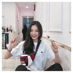 … in 2020 Korean Girl Cute, Korean Girl Short Hair, Ulzzang Korean Girl, Asian Girl, Korean Aesthetic, Aesthetic Girl, Ulzzang Fashion, Korean Fashion, Korean Beauty