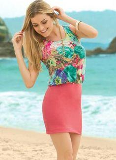 Vestido Curto Coral e Floral