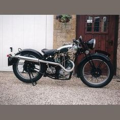 BSA was the world's leading producer of single cylinder 4-stroke motor-cycles during the 1930s,