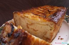 Pudín de manzana casero.Lo  puedes   hacer con bimbo, bizcochitos o galletas.