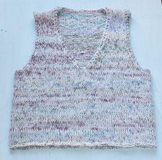 Lynhurtig vest i garnmiks - susanne-gustafsson. Knitting Projects, Ravelry, Needlework, Crochet Top, Free Pattern, Wool, Creative, Womens Fashion, Knitting Sweaters