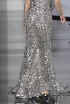 Elie Saab Couture Details, Fall 2006 - Elie Saab's Most Beautiful Runway Details of the Decade - Photos Style Couture, Couture Details, Couture Fashion, Runway Fashion, High Fashion, Elie Saab Couture, Beautiful Gowns, Beautiful Outfits, Designer Gowns