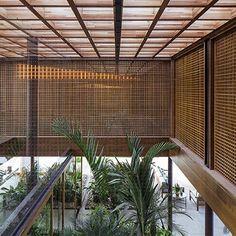 Na primeira foto de sábado, residência SW, em Porto Feliz, São Paulo. Projeto por Jacobsen Arquitetura. #arquitetura #arte #art #artlover #design #architecturelover #instagood #instacool #instadesign #instadaily #projetocompartilhar #shareproject #davidguerra #arquiteturadavidguerra #arquiteturaedesign #instabestu #decor #architect #criative #interiores #estilos #combinações #residenciasw #portofeliz #saopaulo #jacobsenarquitetura
