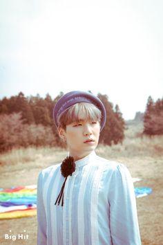 슈가의 Young Forever [스타캐스트] 청춘을 노래하는 방탄소년단의 마지막 이야기, <화양연화 Young Forever> 자켓 사진 촬영장! :: 네이버 TV연예