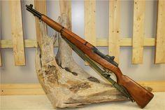Garand One of America's most iconic firearms, the Garand is usually associated with World War II and the Korean War. Big Guns, Cool Guns, Firearms, Shotguns, M1 Garand, Gun Storage, Assault Rifle, Military Weapons, Korean War