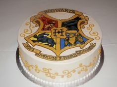 Hogwarts cake made at sweet treets bakery in austin, tx Harry Potter Desserts, Gateau Harry Potter, Cumpleaños Harry Potter, Harry Potter Motto Party, Harry Potter Birthday Cake, Spongebob Birthday Party, 3d Cakes, Cake Gallery, How To Make Cake