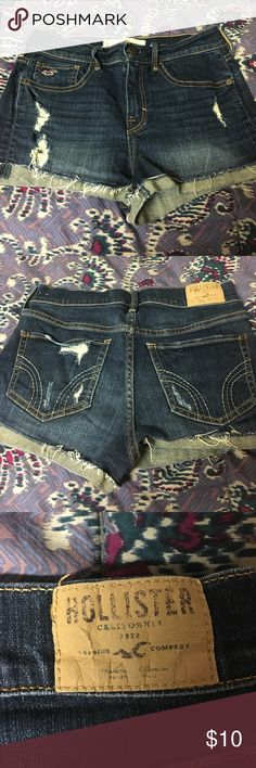 Hollister & Co Distressed High Waisted Short Size 3 High Waisted short. Hardly worn, no signs of wear and tear. Make an offer! Will discount a bundle. Hollister Shorts Jean Shorts