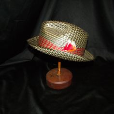 Mens Vtg 40s 50s Straw Fedora Hat w/ Red Band & Multi-Color Feathers Size 6 7/8  #mens vtg 50s Fedora #straw #size 6 7/8 #feathers #pinch front #mad men #rat pack #brown & black #40s 40's 1940's 1940s #50's 1950's 1950s #mothball haven vintage threads #gvs team