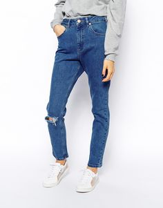 Image 4 ofASOS Farleigh High Waist Slim Mom Jeans in Clean Mid Wash Blue with Ripped Knee