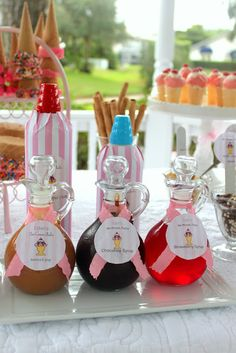 Ice Cream Sundae Party – The Mamanista 11th Birthday, Birthday Parties, Sundae Party, B Food, Ice Cream Social, Water Party, Ice Cream Parlor, Chocolate Syrup, Party Ideas