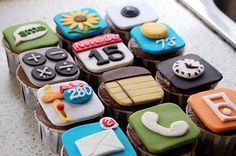 iphone cupcakes! best thing ever!!