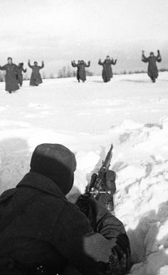 German soldiers giving themselves up in winter 1941.