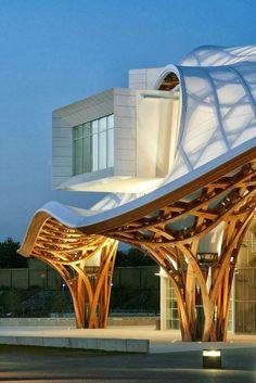 CENTRE POMPIDOU-METZ • Mitz, France • 2010 • Shigeru Ban, http://www.shigerubanarchitects.com
