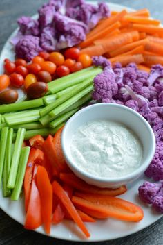 Creamy 5-Minute Homemade Ranch. Perfect for an amazingly fresh and crunchy veggie tray! www.superhealthykids.com
