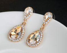 Prepracované naušnice s kryštálikmi v zlatej farbe., Drop Earrings, Jewelry, Fashion, Colors, Moda, Jewlery, Jewerly, Fashion Styles, Schmuck