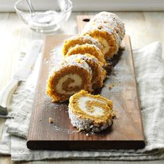 Walnut Pumpkin Cake Roll Recipe -This is one of my family's favorite dessert recipes, especially for holiday gatherings. Pumpkin Roll Cake, Pumpkin Dessert, Apple Cake, Pumpkin Pumpkin, Pumpkin Rolls, Pumpkin Puree, Pumpkin Spice, Cake Roll Recipes, Dessert Recipes