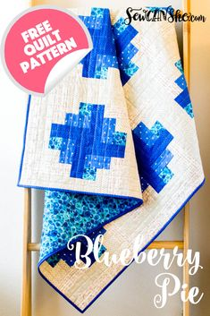 Blueberry Pie - free quilt pattern - it's a log cabin variation! Blueberry Pie - free quilt pattern - it's a log cabin variation! Jelly Roll Quilt Patterns, Quilt Block Patterns, Quilt Blocks, Log Cabin Quilt Pattern, Log Cabin Quilts, Log Cabins, Quilting Projects, Quilting Designs, Sewing Projects