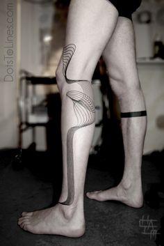 geometric tattoo, amazing placement. Artist dotstolines