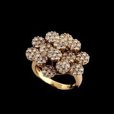 Anel de ouro amarelo 18k e diamantes lapidação brilhante regulando 2,16ct  no total. ff4fbae42d