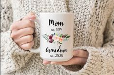 New grandma mug pregnancy announcement, promoted to Nana, Baby announcement grandmother gift. Mother's day gift for grandma. Grandma Mug, New Grandma, Grandma Gifts, Birthday Gifts For Grandma, Grandfather Gifts, Gifts For Bookworms, Maid Of Honour Gifts, Gifts For Your Mom, Bridesmaid Proposal
