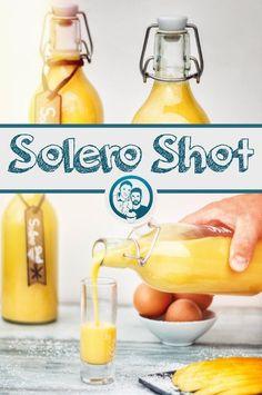 Lecker fruchtige Eierlikörvariation mit Mango und Rum.