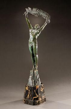 PIERRE LE FAGUAYS (1892-1962) |   «La victoire» -  Importante épreuve en bronze…