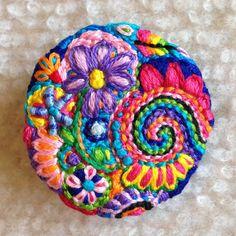 Freeform embroidery heart brooch Brooch 123 por Lucismiles en Etsy