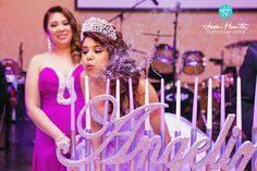Quinceaneras photography by Juan Huerta. More here: http://www.houston-quinceanera-photographer.com/2014/03/beaumont-quinceaneras-photography-by.html